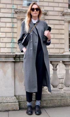 Sempre elegantes, os casacos pesados usados em composições neutras criam looks desejo