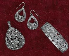Unbelievable Ensemble... :) stunning... Perfect for weddings or formal, even with jeans! Premier Designs Jewelry