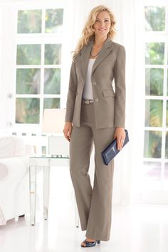 I want this pant suit for work!!!