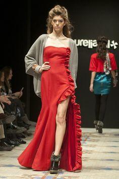 Diseñadora Aurelia Gil. XIV Edición VFW.  http://www.elbolsodemaribel.com/valencia-fashion-week-2013-vfw-dia2-viernes/