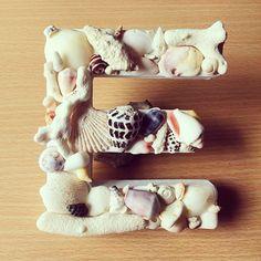 必須&定番のウェディング小物!可愛いイニシャルオブジェまとめ*   marry[マリー] Okinawa, Birthday Decorations, Alphabet, Shells, Handmade, Wedding, Food, Shelled, Mariage