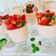 Edels Mat & Vin: Panna Cotta med smak av jordbær, kaffirlime & vani... Frisk, Gelatin, Panna Cotta, Ethnic Recipes, Food, Jello, Dulce De Leche, Essen, Meals