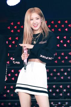 """""""Happy birthday to the most talented, cutest and most breathtaking person alive ♥️ We as blinks will love and support you in every way because who wouldn't love a successful and hardworking person Chaeyoung 😉♥️ Kim Jennie, Blackpink Fashion, Fashion Outfits, Foto Rose, Rose And Rosie, Rose Bonbon, 1 Rose, Rose Icon, Black Pink Kpop"""