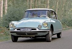 1962 Citroen DS 19P Berline/Luxe 1911cc 4-Cylinder FWD 65bhp Engine (Photo by Clay)