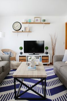 Living Room Tour | Coastal classic living room with modern touches http://www.hammerandheelsblog.com/living-room-tour/