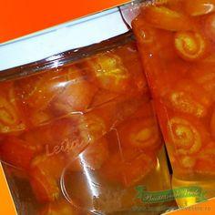 Ingrediente: 1 kg portocale (folosim doar coaja de la ele ) 500 ml apa 500 gr zahar 50 ml zeama lamaie Preparare: Coaja se desface cu cutitul in 7-8 felii care se vor pune in apa rece cat sa treaca peste nivelul lor. Se tin 48 ore schimband apa in fiecare zi sa iasa amareala. …