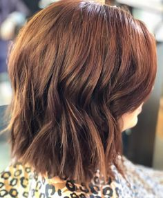 Here are some great women's hairstyles to update you from the latest hairstyles for women. Check this awesome collection of women's hairstyles. Textured Bob Hairstyles, Blonde Bob Hairstyles, Medium Bob Hairstyles, Short Hairstyles For Women, Cool Hairstyles, Hair Tutorials For Medium Hair, Medium Hair Styles, Short Hair Styles, Short Choppy Haircuts