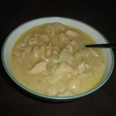Crockpot Chicken n' Dumplings: seems easy and yummy.for my mom Slow Cooker Recipes, Crockpot Recipes, Cooking Recipes, Crockpot Dishes, Crock Pot Cooking, Chicken N Dumplings, My Favorite Food, Favorite Recipes, Yummy Food
