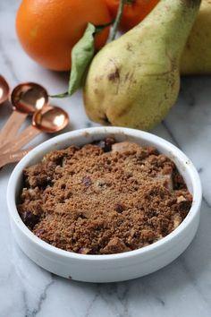 Crumble à la farine de châtaigne Cooking, Desserts, Blog, Pears, Sweet Recipes, Chocolates, Kitchens, Kitchen, Tailgate Desserts