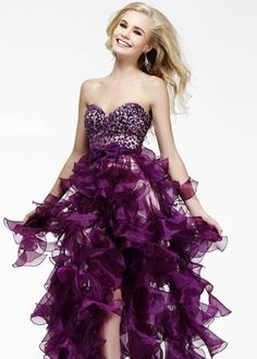 Sherri Hill dresses are designer gowns for television and film stars. Find out why her prom dresses and couture dresses are the choice of young Hollywood. Party Dresses 2014, Prom Dress 2014, Cheap Homecoming Dresses, Sherri Hill Prom Dresses, Prom Dresses Online, Strapless Dress Formal, Beautiful Dresses, Nice Dresses, Ruffled Dresses