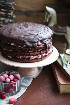 Schoko-Cranberry-Torte   http://eatsmarter.de/rezepte/schoko-cranberry-torte