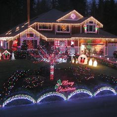 Of all the home businesses out there, Christmas Light Installation businesses may be one of the best kept secrets around. Most people think of hanging Christmas lights as a low paying, low potential, grunt work job, and therefore they Outdoor Christmas Light Displays, Christmas Lights Outside, Christmas Light Installation, Hanging Christmas Lights, Christmas House Lights, Christmas Garden, Decorating With Christmas Lights, Outdoor Christmas Decorations, Holiday Lights