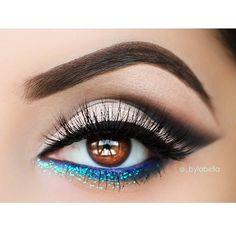 ✨ Date night eye look.