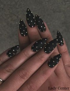 Black Stiletto Nails Designs You Need To Try Nail Design Glitter, Silver Glitter Nails, Rhinestone Nails, Nail With Rhinestones, Gold Nails, Nails Design, Cute Acrylic Nails, Cute Nails, Pretty Nails