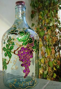 Painting Glass Jars, Painted Glass Bottles, Glass Painting Designs, Glass Bottle Crafts, Wine Bottle Art, Painted Wine Glasses, Bottle Painting, Glass Art, Stained Glass Projects