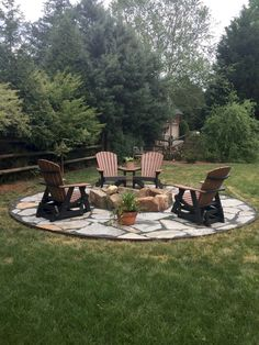 Diy fire pit ideas and backyard seating area (60)