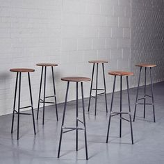 http://www.homebarnshop.co.uk/images/res/narrative-leather-and-steel-bar-stool_400_400.jpg