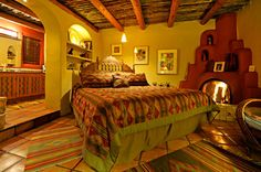 Southwest Style Home: Traces of Spanish Colonial & Native American Design Southwestern Decorating, Southwest Decor, Southwest Quilts, Southwest Style, Mexican Style Bedrooms, Southwest Bedroom, Santa Fe Home, Walk In Shower Designs, Adobe House