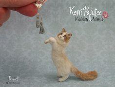 Dollhouse Miniature Cat - Tassel