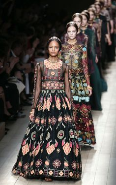 By far my fave Valentino collection, I think I can recreate some of the outfits.  *Not my note...I like these, though...I doubt that I'd wear it anywhere.  This is the type of thing that I might buy for a wall display.  It's art more than clothing.