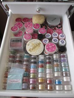 How To Organize Makeup Storage Drawers – 10 Real Life Examples | Shelterness