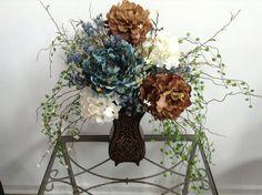 Custom Formal Centerpiece at Chicago Silk Florist $75 #reallookingflowers #flowergifts #silkflowers #luxuryflowers #beautifulflowers