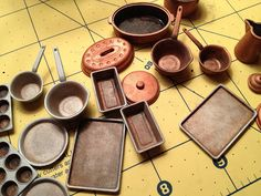 Tutorial for making used cookware from Chrysnbon kits.