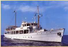 MASCALZONE ASSAI -- Year: 1930 Designer: G.L.WATSON &Co Builder: William Beardmore Glasgow-Scotland #yacht #yachts #boat #boats #motoryacht #motoryachts #powerboat #powerboats #madeinitaly #sail #luxury www.tommyholiday.it