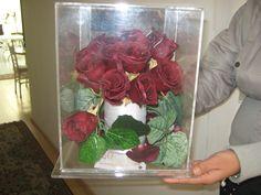 Las rosas Rojas preservadas por congelado en seco cambian su tono a burgandi y se ven aún más bellas @specialtycleaners