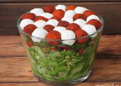 Wiosenna sałatka z brokułem i jajkiem - Obżarciuch Serving Bowls, Watermelon, Feta, Pudding, Fruit, Vegetables, Tableware, Impreza, Blog