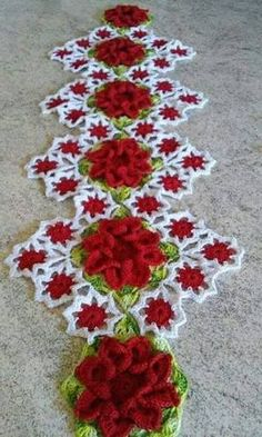 Get 62 crochet table runner patterns for free. Get multiple color and pattern options. Crochet Kitchen, Crochet Home, Love Crochet, Irish Crochet, Crochet Motif, Crochet Crafts, Crochet Doilies, Crochet Flowers, Crochet Projects