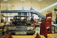 """""""Break Down"""": Vor 20 Jahren vernichtete der Künstler Michael Landy seinen gesamten Besitz Vehicles, Car, Automobile, Rolling Stock, Vehicle, Cars, Autos, Tools"""