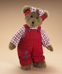 Boyds Bears From Custom Creations and Gifts Jordan - Boyds Homespun Collection - Introduced for Spring 2008 and already retired! Jordan is a poseable mocha bear. He is wearing a red quilted romper and head bow with denim heart appliques. Vintage Teddy Bears, Cute Teddy Bears, Country Bears, Teddy Bear Pictures, Teddy Bear Clothes, Boyds Bears, Love Bear, Bear Toy, Plush