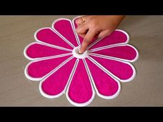 Easy And Beautiful Rangoli Design For Sankranthi Simple Rangoli Border Designs, Rangoli Designs Flower, Rangoli Borders, Free Hand Rangoli Design, Small Rangoli Design, Rangoli Designs Diwali, Beautiful Rangoli Designs, Kolam Designs, Simple Designs