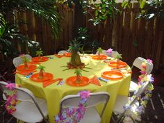 My beautiful daughter lived on Maui for many yrs (now lives in Florida), she absolutely wanted a Hawaiian theme for her Baby Shower....