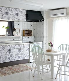 House Tour: A Creative, Serene Home in Japan | Apartment Therapy