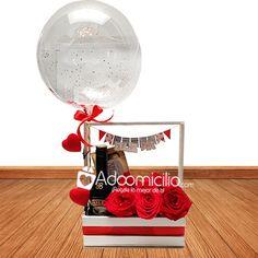 Valentine Baskets, Valentine Crafts, Florist Shop Interior, Ideas Aniversario, Bff Birthday Gift, Personalized Balloons, Batman Party, Chocolate Bouquet, Candy Bouquet