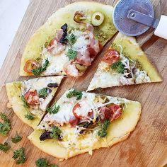 Glutén mentes és a legegyszerűbb pizza tészta amit csinálni lehet! Vegetable Pizza, Vegetables, Food, Essen, Vegetable Recipes, Meals, Yemek, Veggies, Eten