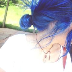 Blue Hair http://weheartit.com/entry/162823285/via/biancabender?page=2