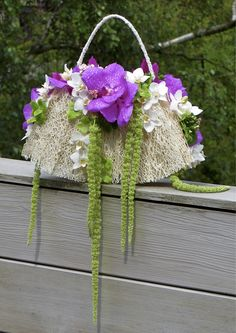 A stylish and refreshing alternative to the original bridal bouquet Created with Bolsa Flora VI www.bolsaflora.com