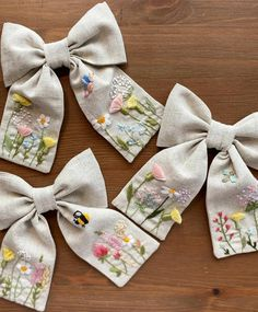 Hand Embroidery Patterns Flowers, Simple Embroidery, Embroidery Art, Embroidery Stitches, Making Hair Bows, Diy Hair Bows, Christmas Applique, Diy Headband, Diy Hair Accessories