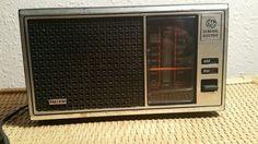 RARE GENERAL ELECTRIC AM/FM RADIO Model 7-4115B Electric Table WALNUT VINTAGE #GeneralElectric