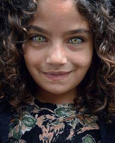 Beautiful Green Eyes, Stunning Eyes, Pretty Eyes, Cool Eyes, Amazing Eyes, Rare Eyes, Cute Kids Pics, Adorable Pictures, Pleasing People