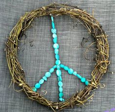 peace sign decor peace sign wreath peace by stoneycreekboutique DIY Peace Sign Art, Peace Signs, Peace By Piece, Diy Wreath, Wreath Ideas, Gypsy, Hippie Art, Boho Diy, Emo