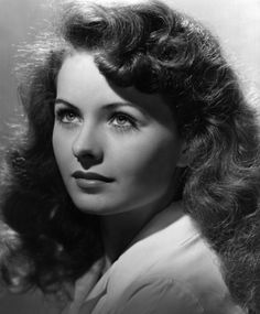 Jeanne Elizabeth Crain was an American actress whose career spanned from 1943 to 1975. She received an Academy Award nomination for Best Actress in the 1949 film Pinky, in which she played the leading role.   Born: May 25, 1925, Barstow, CA Died: December 14, 2003, Santa Barbara, CA