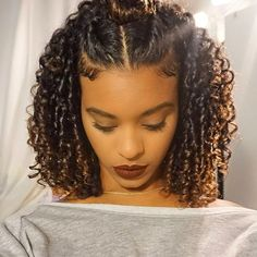 If you are searching for some short curly hair styles ideas that you can try today, you came to the Natural Curls, Natural Hair Care, Pretty Hairstyles, Braided Hairstyles, Black Hairstyles, Short Natural Curly Hairstyles, Hairstyle Ideas, Hair Ideas, Curly Natural Hair Styles