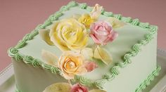 Reverse shells look spectacular as top and bottom borders and as framed areas on your cake.