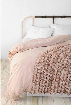 ruffle bed spread