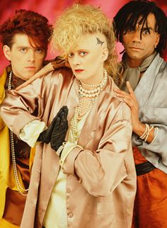 Thompson Twins. 80's FASHION and HAIR galore! (Yes those deserve all caps for this gloriousness) lol