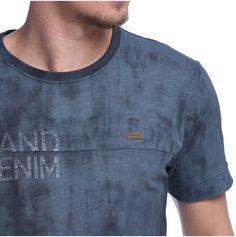 Jeans e atitude onde você estiver. Compre em nossa loja online ideias  criativas transformadas em produtos que encantam e satisfazem os seus  desejos. 46fd8c83e4e